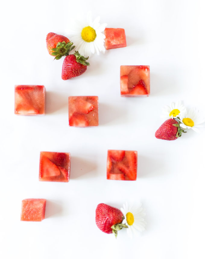 Say hello to your new favorite summer spritzer, made with prosecco and the yummiest giant strawberry watermelon ice cubes.