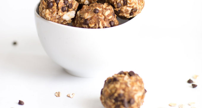How to make the easiest (yummiest) no-bake healthy energy cookie bites (a.k.a., a guilt-free way to snack happy!)