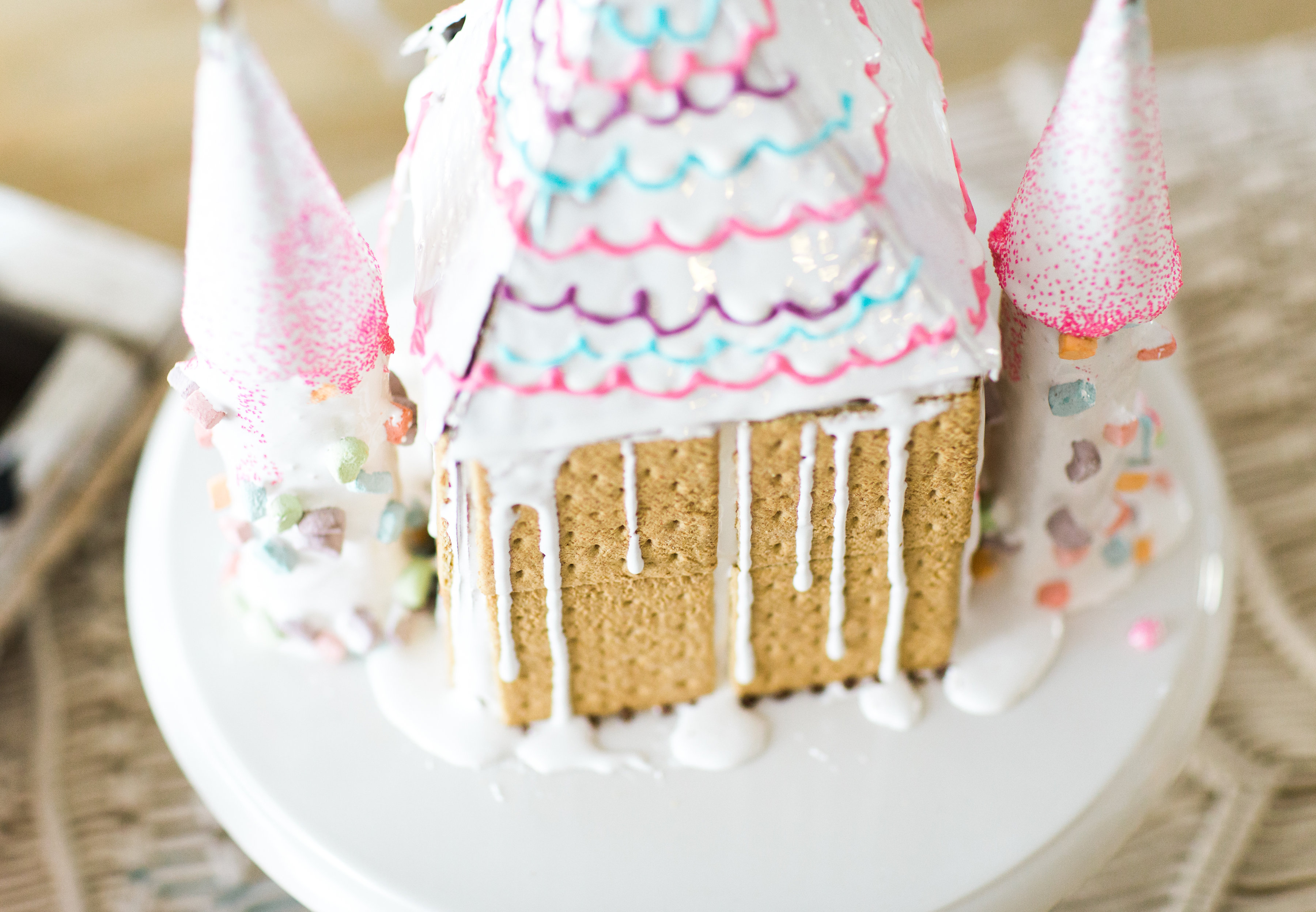 How to make the most adorable toddler and kid-friendly s'mores graham house