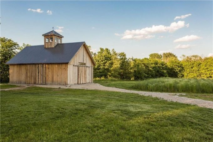 A Modern Rustic Farmhouse in Indiana