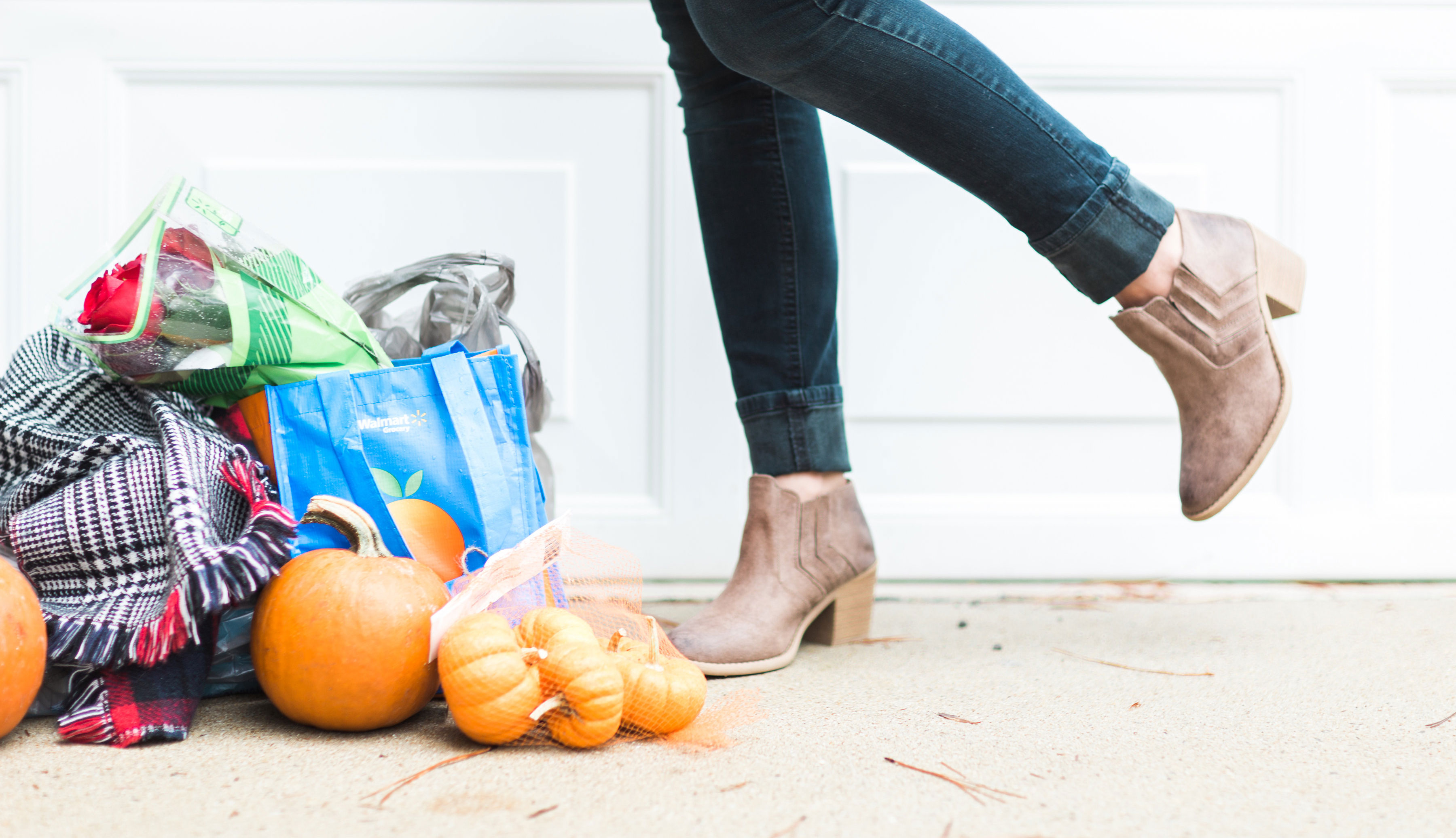 The Easiest Way to Grocery Shop: How to order your groceries for FREE right from home and pick them up without ever having to get out of your car. #GroceryHero