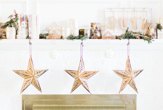 How to Transition Your Décor From the Holidays to New Years Eve. Click through for the festive details. | glitterinc.com | @glitterinc