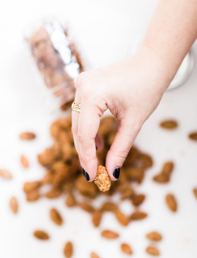 How to make candied cinnamon-roasted almonds. Click through for the simple but amazing recipe.   glitterinc.com   @glitterinc