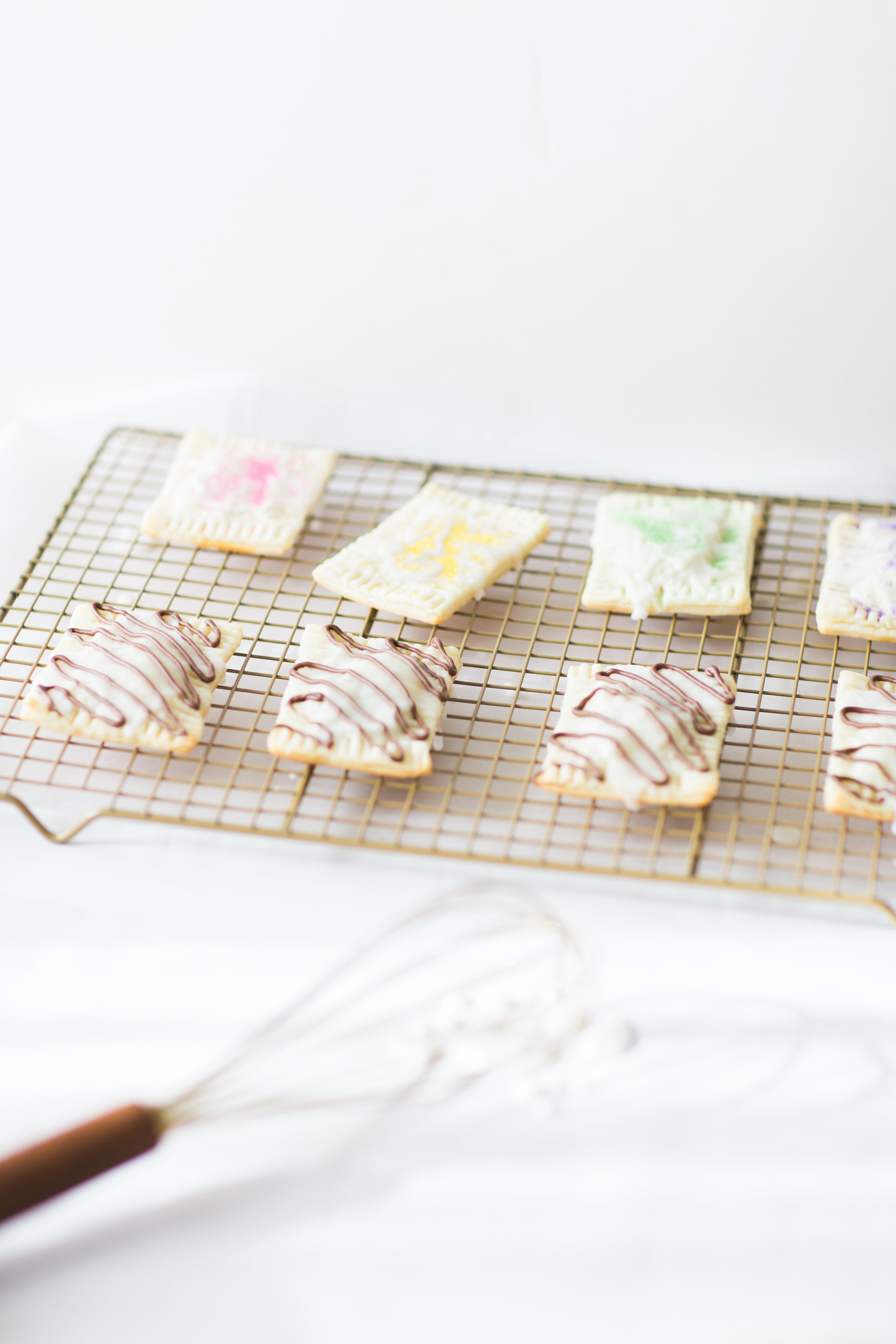 How to Make 3-Ingredient Homemade Pop-Tarts; including a vegan version! Kids LOVE making these. Click through for the simple recipe. | glitterinc.com | @glitterinc