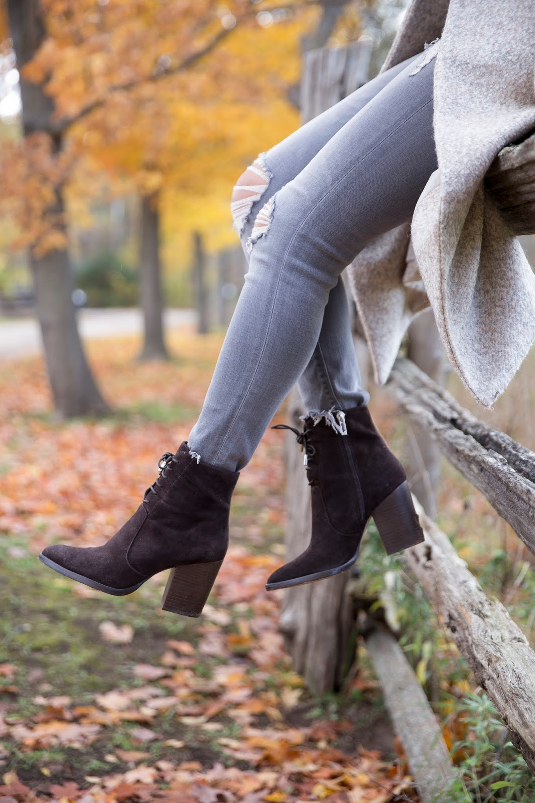 A few little love notes to the things I loved most this week, including these adorable boots perfect for fall and winter. Click through for the details. | glitterinc.com | @glitterinc