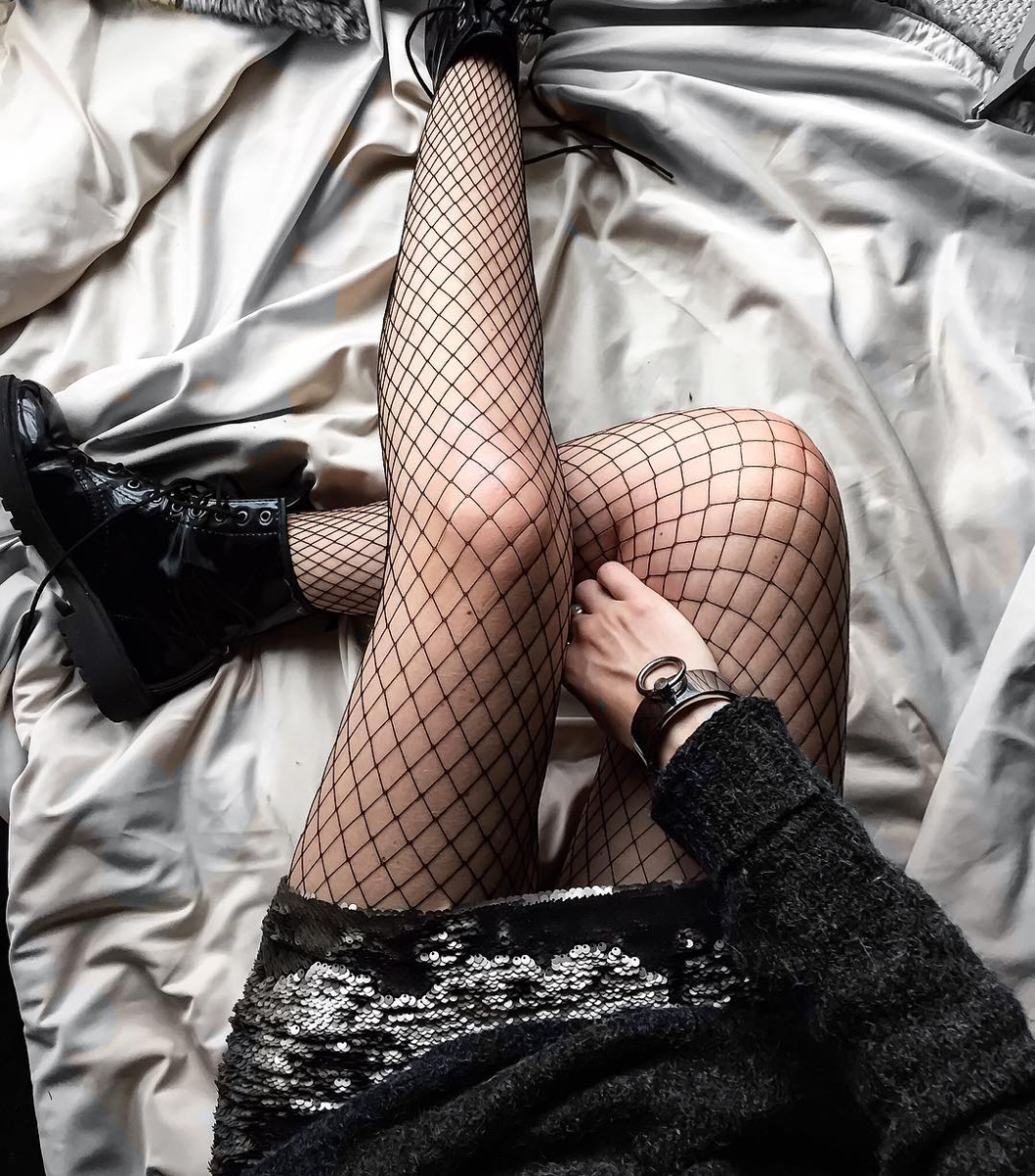 Sequins and fishnets were meant to be. By the way, Fishnets Are Back: Here are 18 Chic Ways to Wear Them. | glitterinc.com | @glitterinc