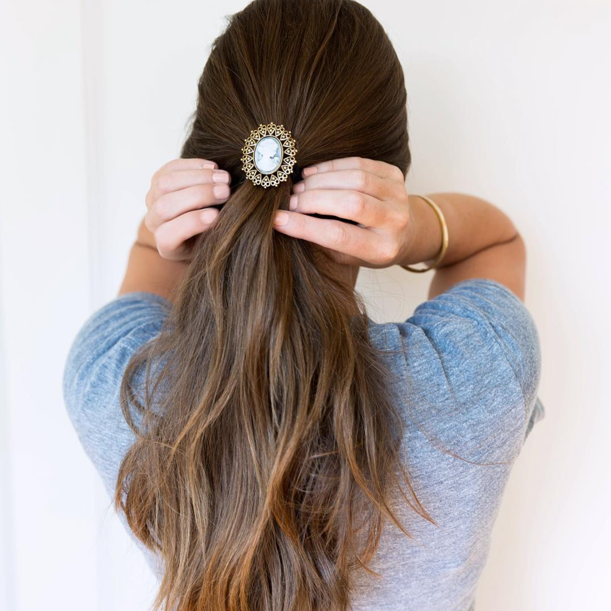 Put a Pin On It: A Brooch That Is (Brooch in her hair) | Click through for the details. | glitterinc.com | @glitterinc