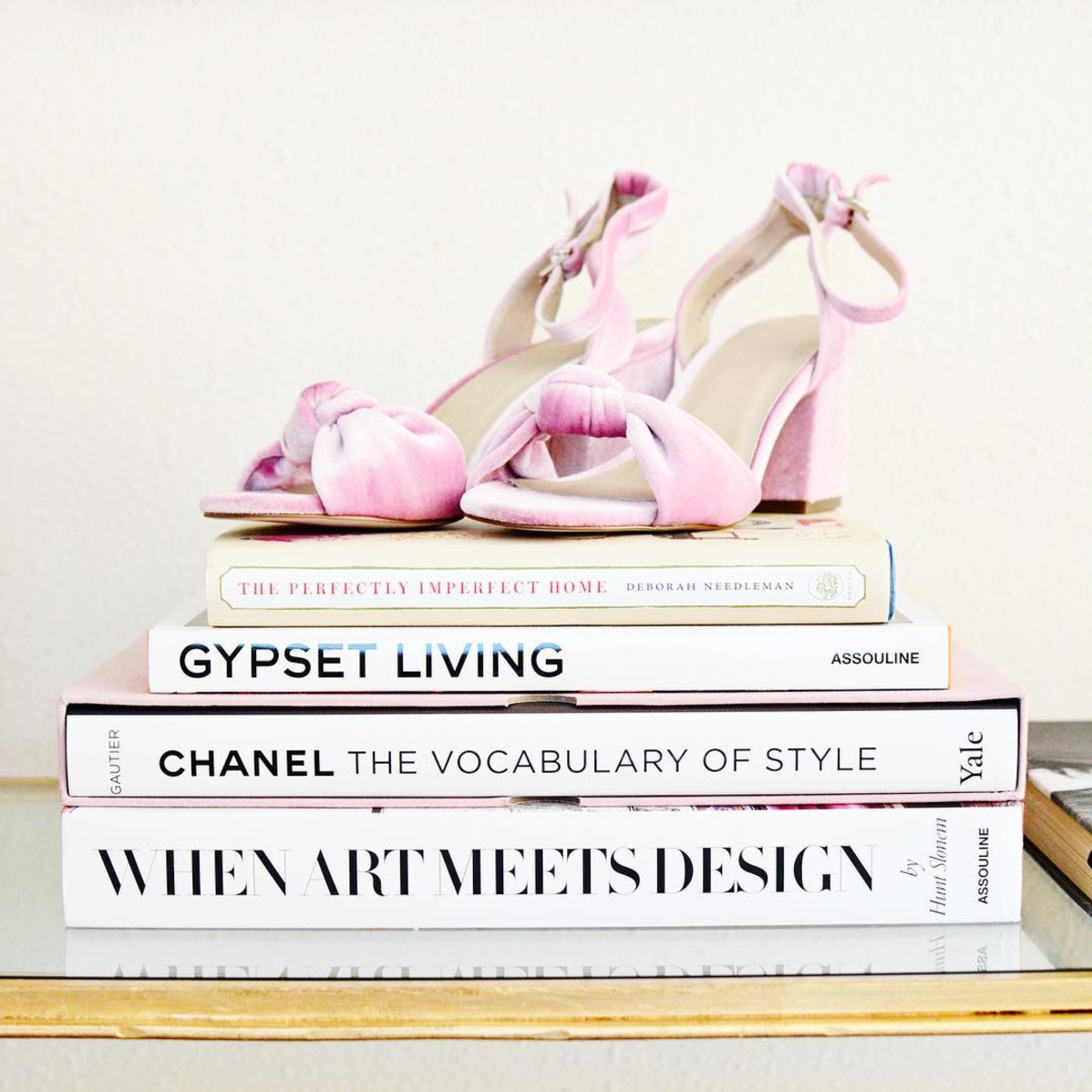 A few little love notes to the things I loved most this week, including these light pink velvet heels, hilarious parents' missed connections, and DIY travel mugs. Click through for the details. | glitterinc.com | @glitterinc