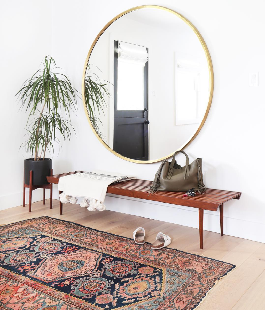 Bohemian Entryway (Plus, where to find the Round Mirror at every price + why they look so great in every space!) Click through for the details. | glitterinc.com | @glitterinc