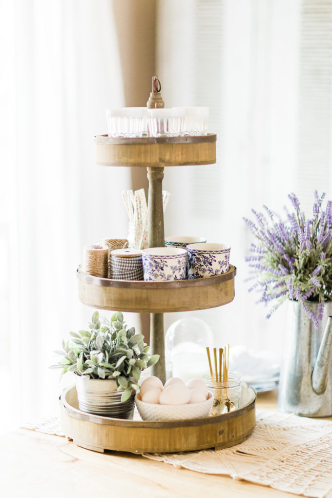 A few little love notes to the things I loved most this week, plus Easter celebrations and my favorite 3-tier rustic stand. Click through for the details.   glitterinc.com   @glitterinc
