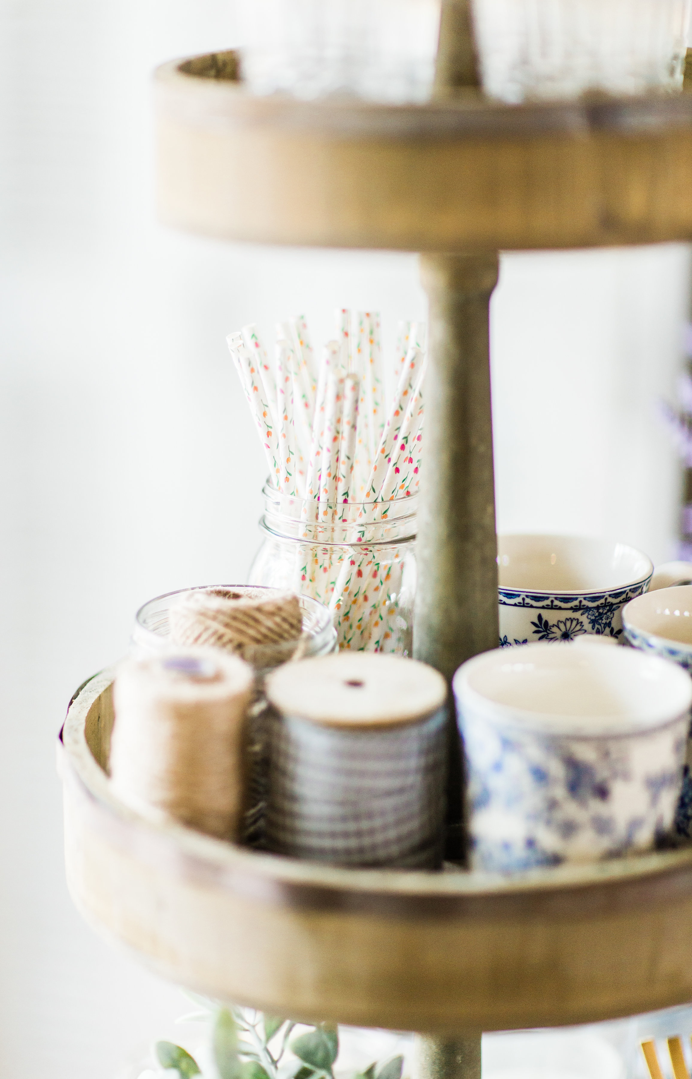 A few little love notes to the things I loved most this week, plus Easter celebrations and my favorite 3-tier rustic stand. Click through for the details. | glitterinc.com | @glitterinc