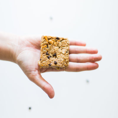 Delicious Chewy Granola Bar Recipe: Soft Chocolate Chip Pretzel