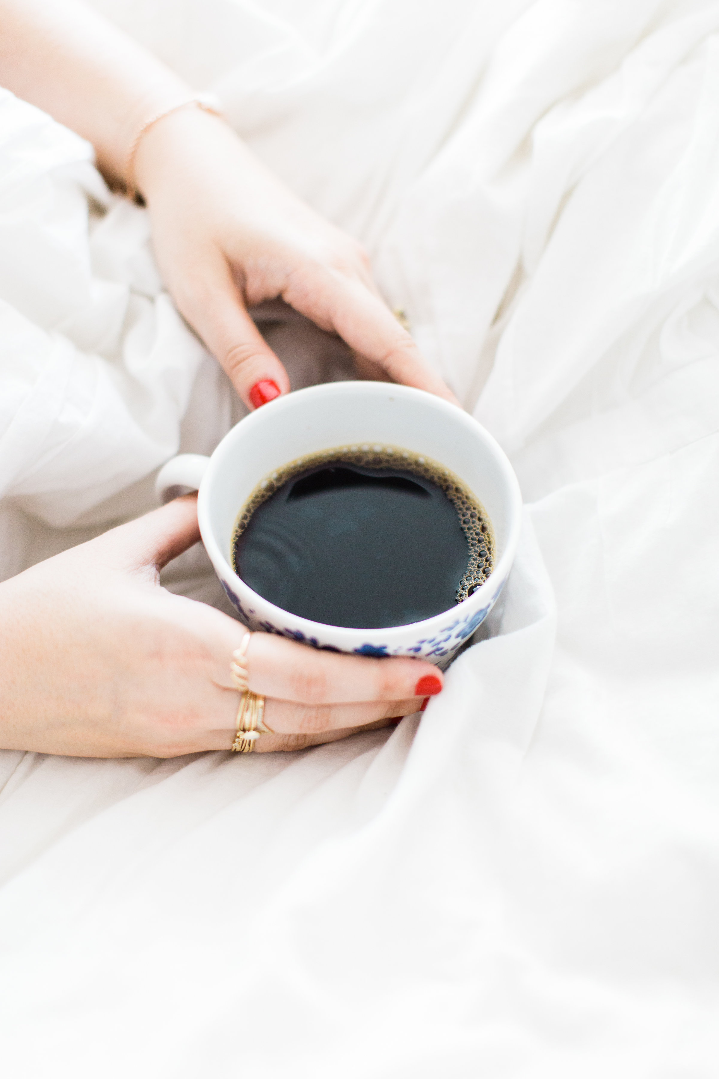 A few little love notes to the things I loved most this week, including coffee, vacation, a perfect swingy dress, why we eat eggs, and more. | glitterinc.com | @glitterinc