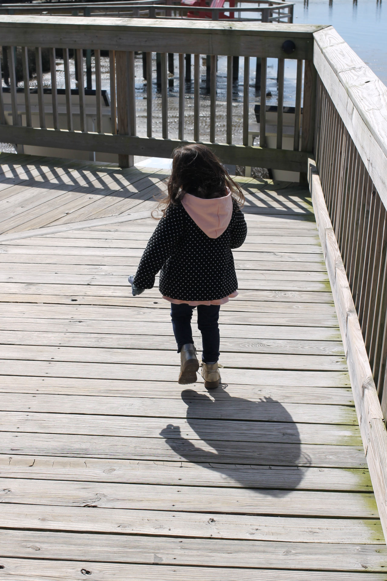 A family-friendly guide to a weekend trip in the Outer Banks; where to stay, eat, and play. Click through for our vacation details. | glitterinc.com | @glitterinc