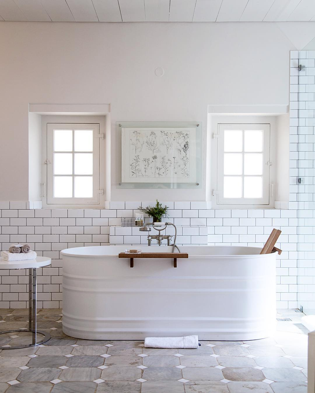 Home Design Trends: Galvanized Stock Tanks and Feed Troughs as Décor; Farmhouse Tub Dreams