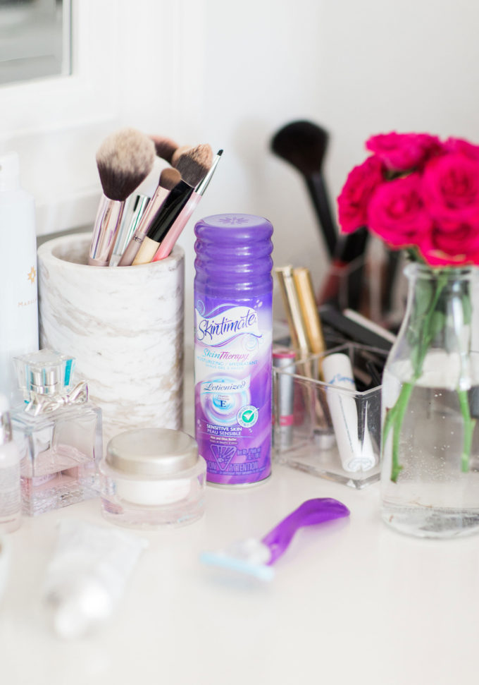 The everyday beauty products lifestyle blogger Lexi of Glitter, Inc. considers essentials and must-haves. Click through for the details. | glitterinc.com | @glitterinc #ad