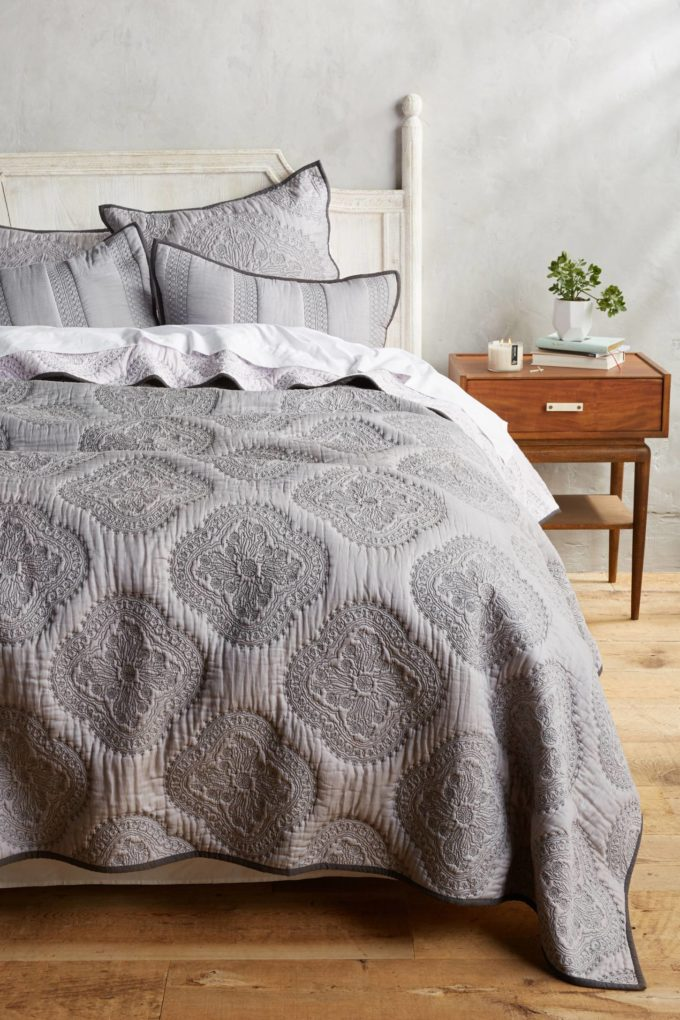 Peonia Coverlet