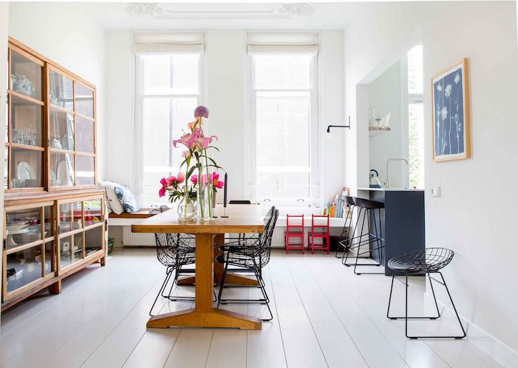 Step inside this stunning family home in the heart of Amsterdam. Click through for the details. | glitterinc.com | @glitterinc