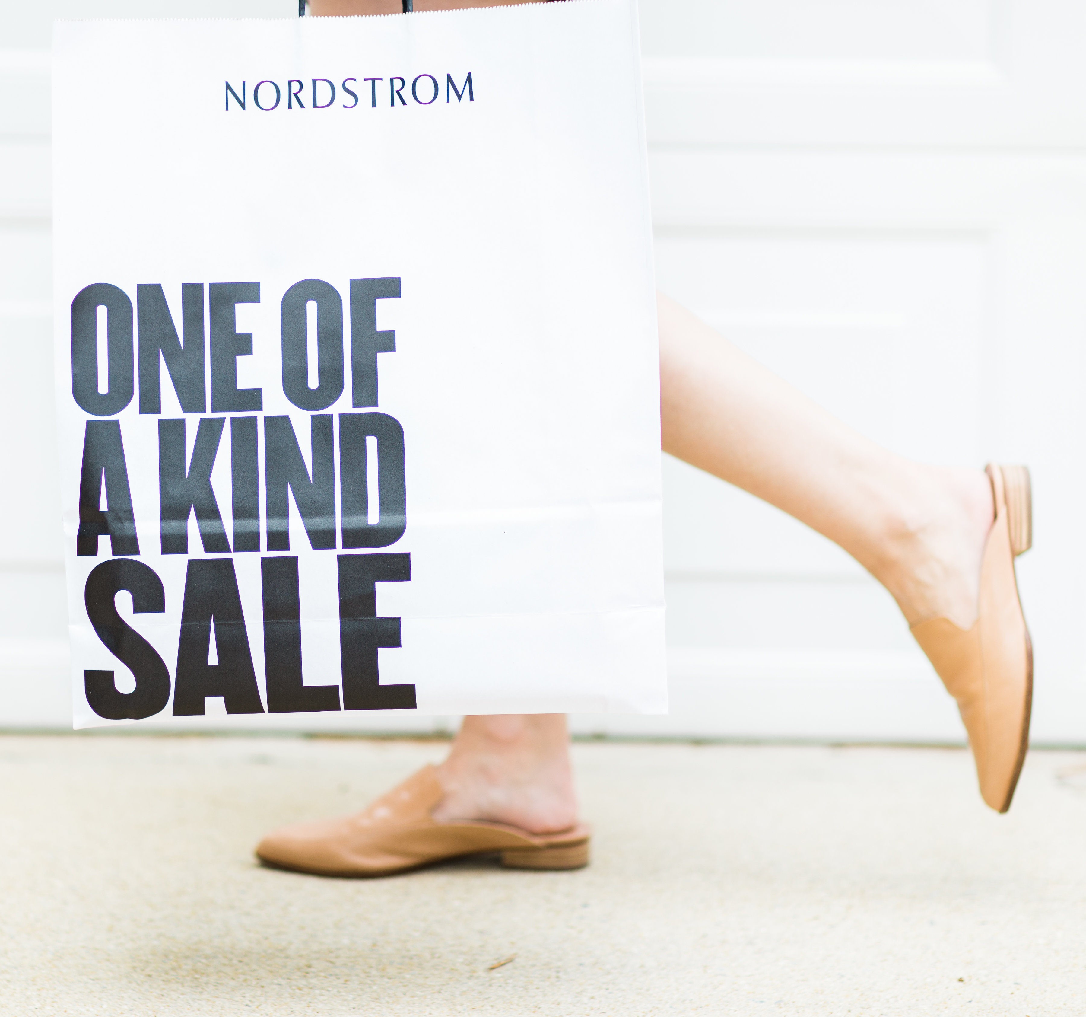 A few little love notes to the things I loved most this week, including the Nordstrom Anniversary Sale, a perfectly French marketplace, and super fudgy brownies. | glitterinc.com | @glitterinc