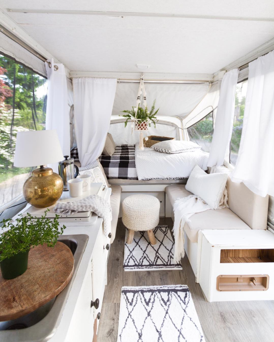 Lifestyle blogger Lexi of Glitter, Inc. shares a few little love notes to the things she loved most this week, including this dreamy pop-up bohemian camper. | glitterinc.com | @glitterinc
