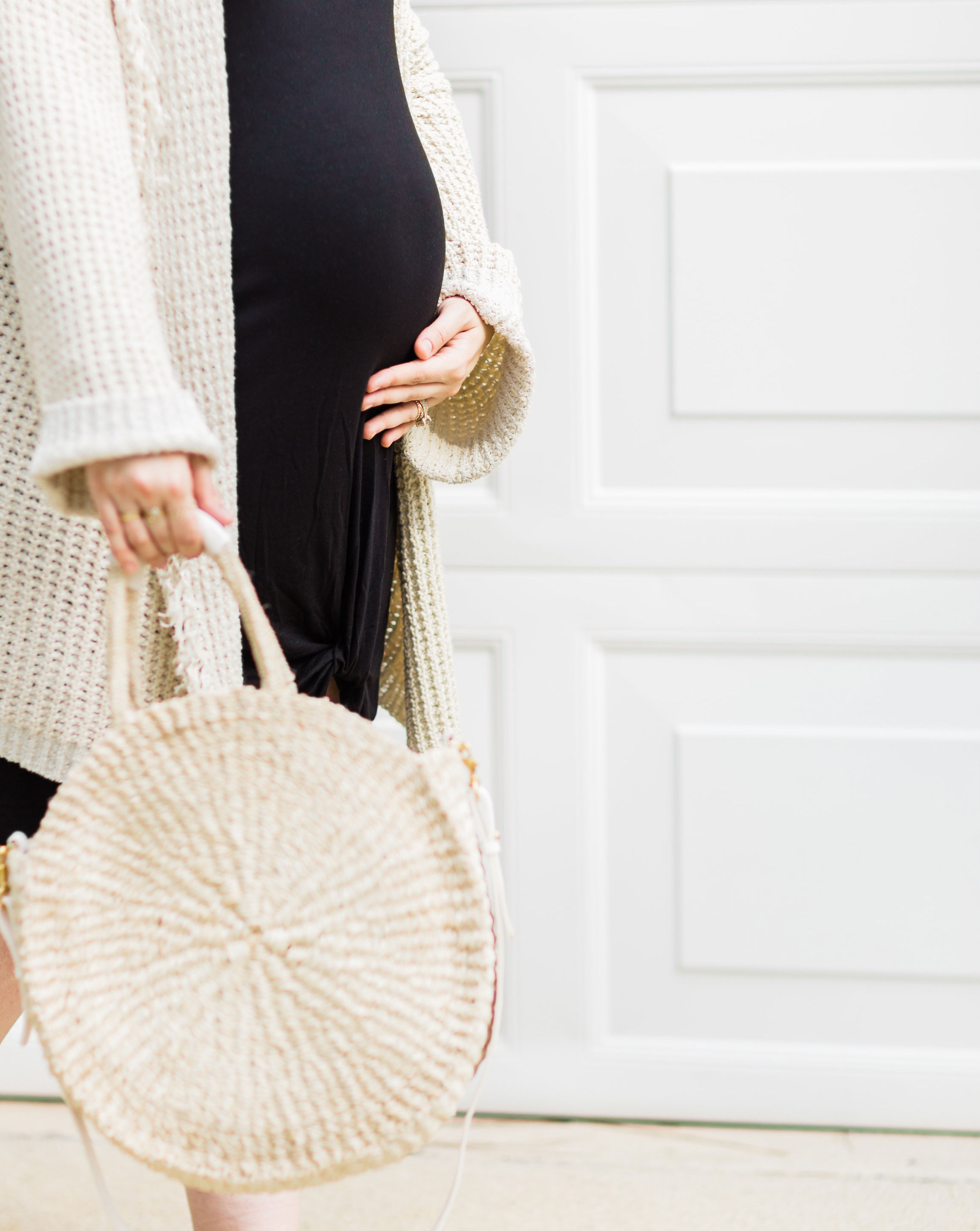 Lifestyle blogger Lexi of Glitter, Inc. shares a few little love notes to the things loved most this week, including this almost 34 week bump! (maternity style) | glitterinc.com | @glitterinc