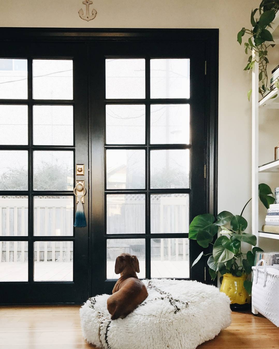 Home Design Trends: Chic Door Knob Tassels. Indoor Dip-Dyed Ombre Tassel. Click through for the details. | glitterinc.com | @glitterinc