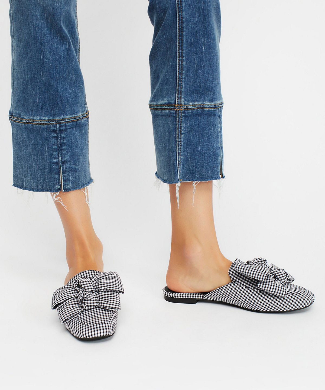 The season of stylish flats is here! Fall shoe love: Jeffrey Campbell Raves Bow Flat | glitterinc.com | @glitterinc