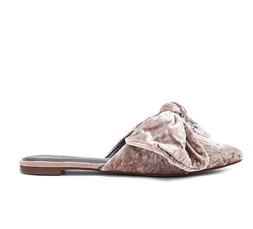 The season of stylish flats is here! Fall shoe love: Rebecca Minkoff Alexis Flats | glitterinc.com | @glitterinc