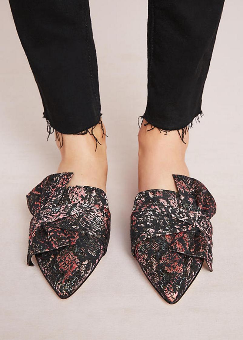 The season of stylish flats is here! Fall shoe love: Schutz Dana Jacquard Mules | glitterinc.com | @glitterinc