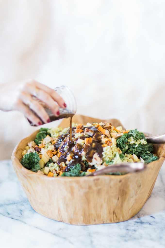 How to make the most amazing knockoff version of the harvest bowl salad at sweetgreen. This one is salad done right. Click through for the recipe. | glitterinc.com | @glitterinc