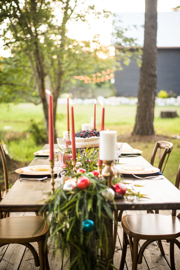 I'm Dreaming of a Boho Christmas - Bohemian Holiday Styled Shoot. | Christa Summers Photography | glitterinc.com | @glitterinc - Bohemian Christmas Wedding Ideas by wedding blogger Glitter, Inc.