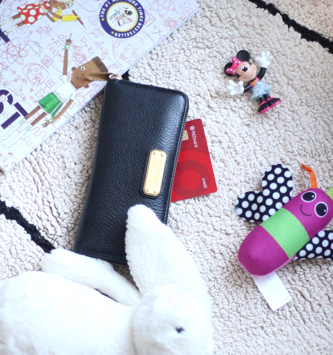 This simple DIY will help to organize your kids toys in your living space in a big way. AD #DymoLabels | glitterinc.com | @glitterinc