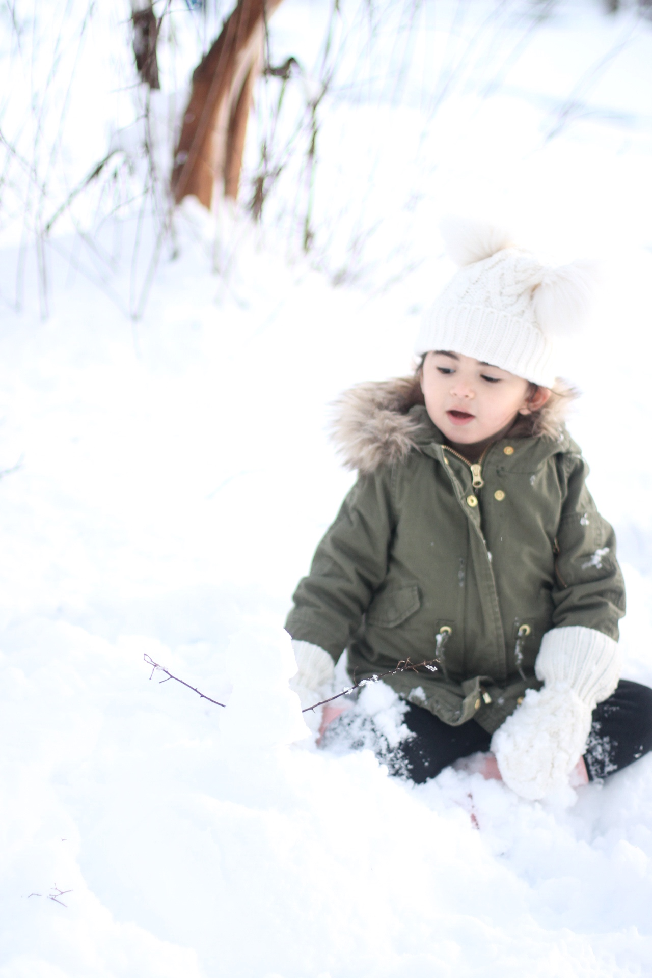 Lifestyle blogger Lexi of Glitter, Inc. shares adorable family photos from their recent snow day(s) in North Carolina. | glitterinc.com | @glitterinc