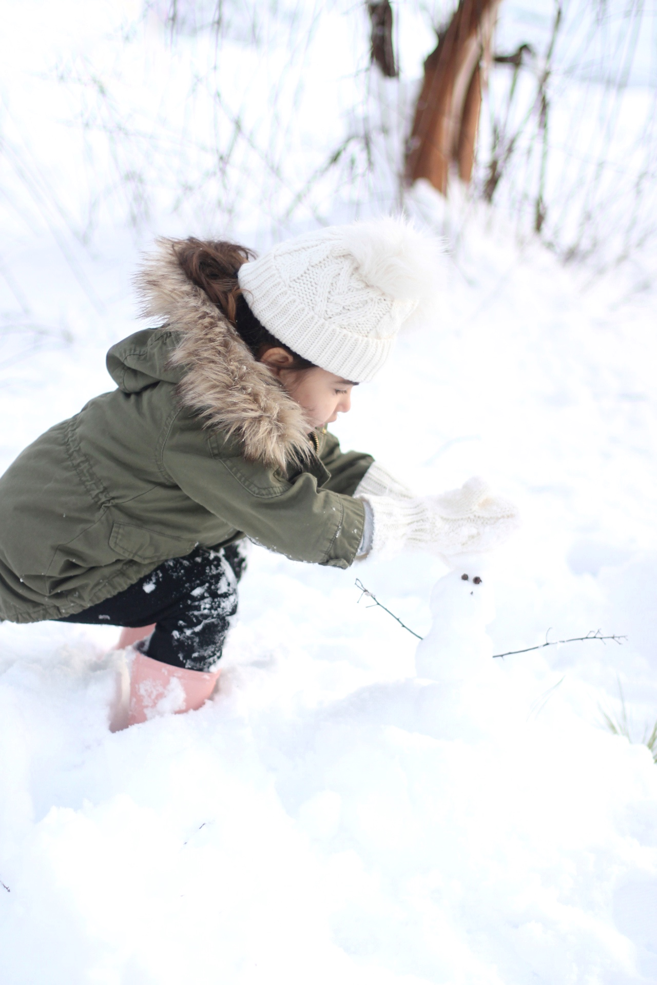 Lifestyle blogger Lexi of Glitter, Inc. shares adorable family photos from their recent snow day(s) in North Carolina. | glitterinc.com | @glitterinc - Snow Days in North Carolina by popular North Carolina lifestyle blogger Glitter, Inc.