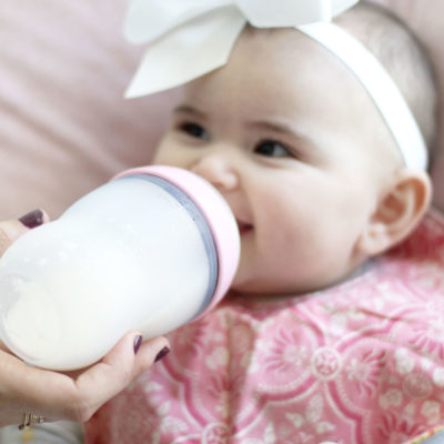 A Few of Our Tried-And-True Baby Formula Feeding Hacks + Most Common Questions Answered