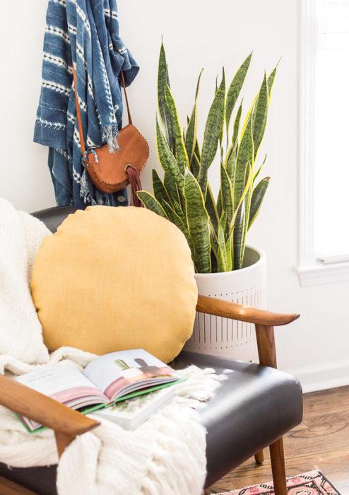 DIY Circle Pillow