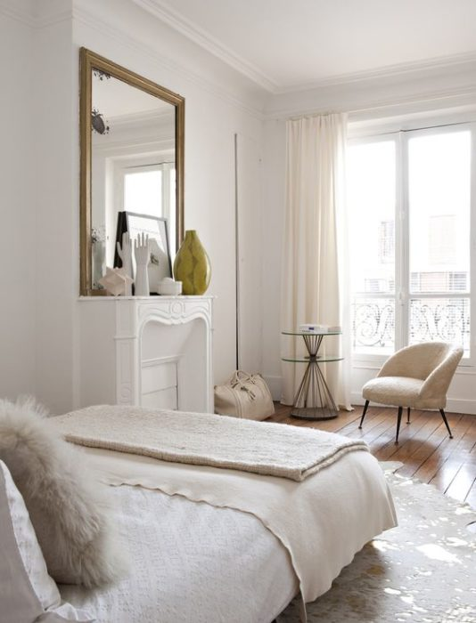 Montmartre apartment decorated with vintage finds
