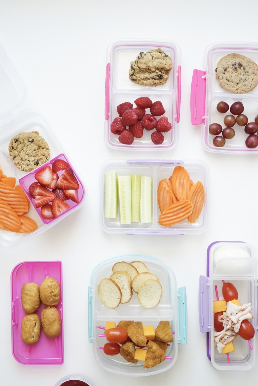 20 lunch ideas your kids will actually eat! (That aren't sandwiches!) Plus, how to meal prep school lunch for a stress-free week with a free printable. #schoollunch #bentolunch #mealprep #lunchmealprep #lunchboxmeals Click through for the details. | glitterinc.com | @glitterinc