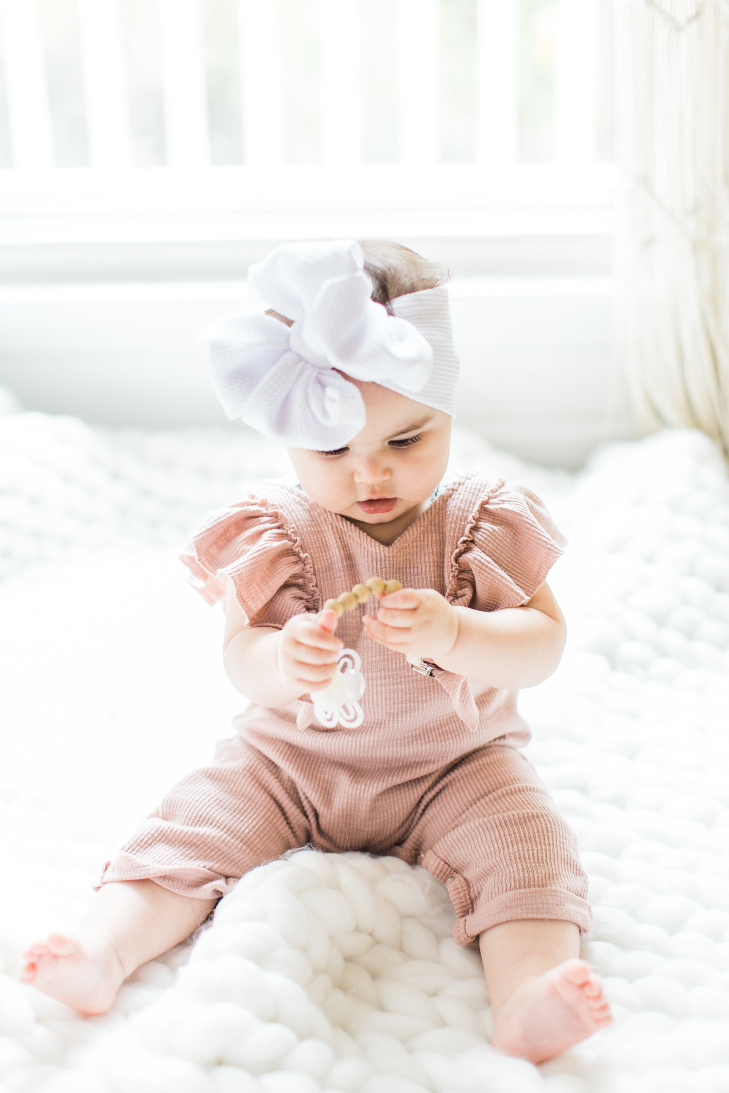 Having a baby with acid reflux can feel like the most exhausting uphill battle when you're a new parent. These are 7 tips and tricks for helping babies with reflux (that actually work!), plus a few hallmark signs that your baby does in fact have reflux. Click through for the details. #acidreflux #refluxbabies #babyreflux #infantreflux #gerd #colic #howtotreatreflux | glitterinc.com | @glitterinc