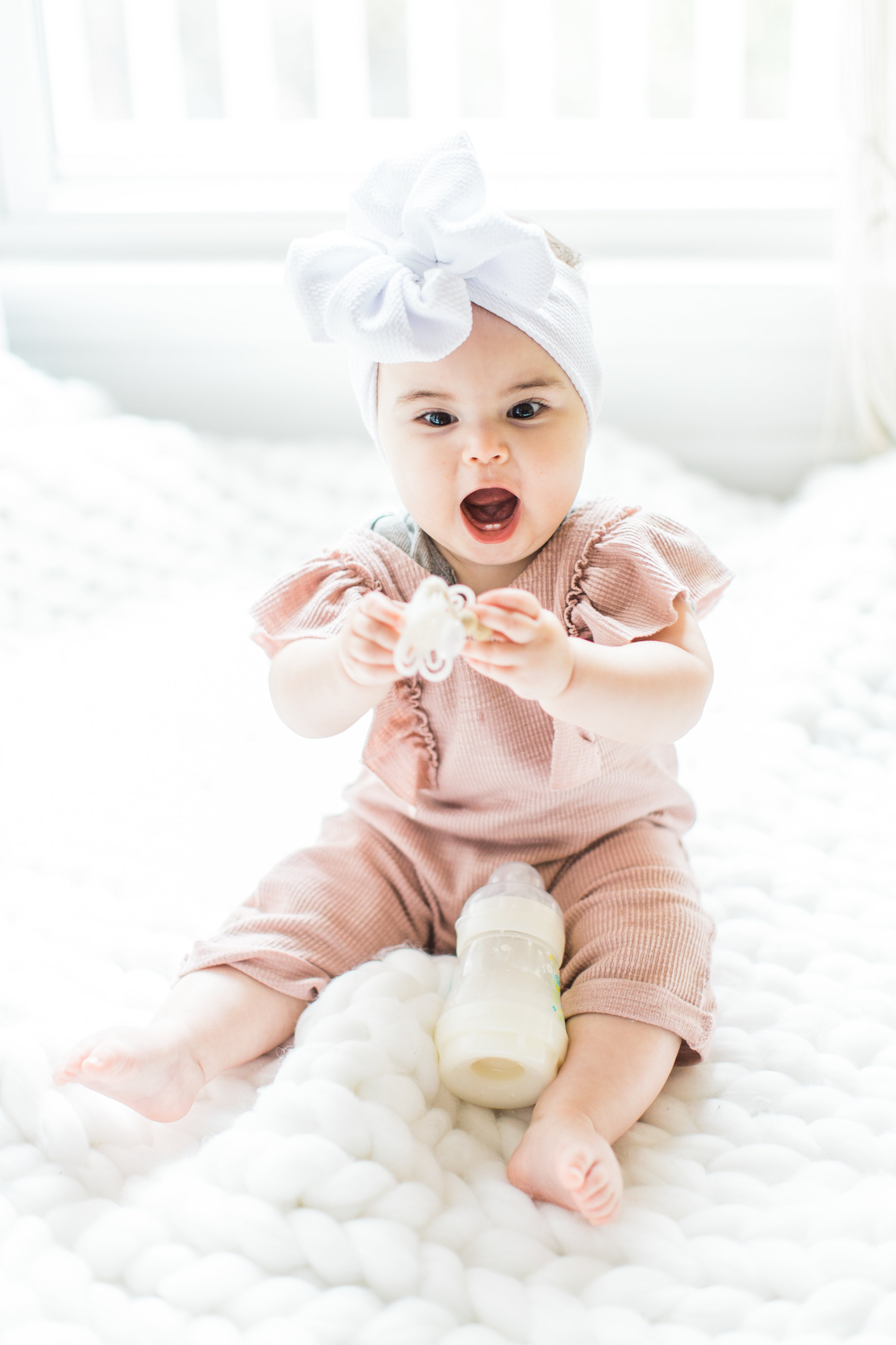 Having a baby with acid reflux can feel like the most exhausting uphill battle when you're a new parent. These are 7 tips and tricks for helping babies with reflux (that actually work!), plus a few hallmark signs that your baby does in fact have reflux. Click through for the details. #acidreflux #gerd #colic #howtotreatreflux | glitterinc.com | @glitterinc