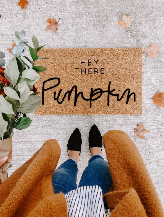 Lifestyle blogger Lexi of Glitter, Inc. shares a few little love notes to the things she loved most this week, including this adorable fall hey there pumpkin | hello welcome mat doormat. Click through for the details. | glitterinc.com | @glitterinc