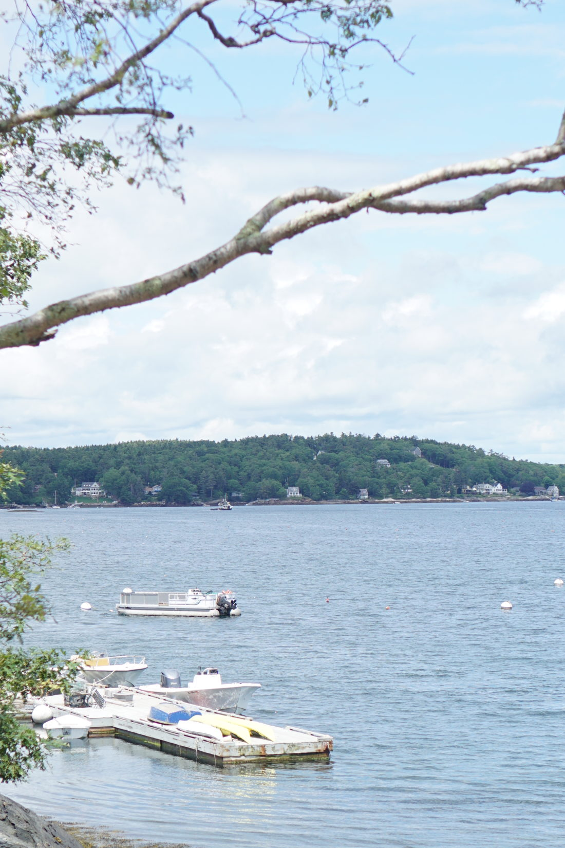 Traveling to New England? Looking for an amazing and quintessentially Maine experience for the whole family?Cabbage Island Clambakes in Boothbar Harbor, Maine are one of our all-time favorite adventures. Click through for our vacation destination details.   glitterinc.com   @glitterinc