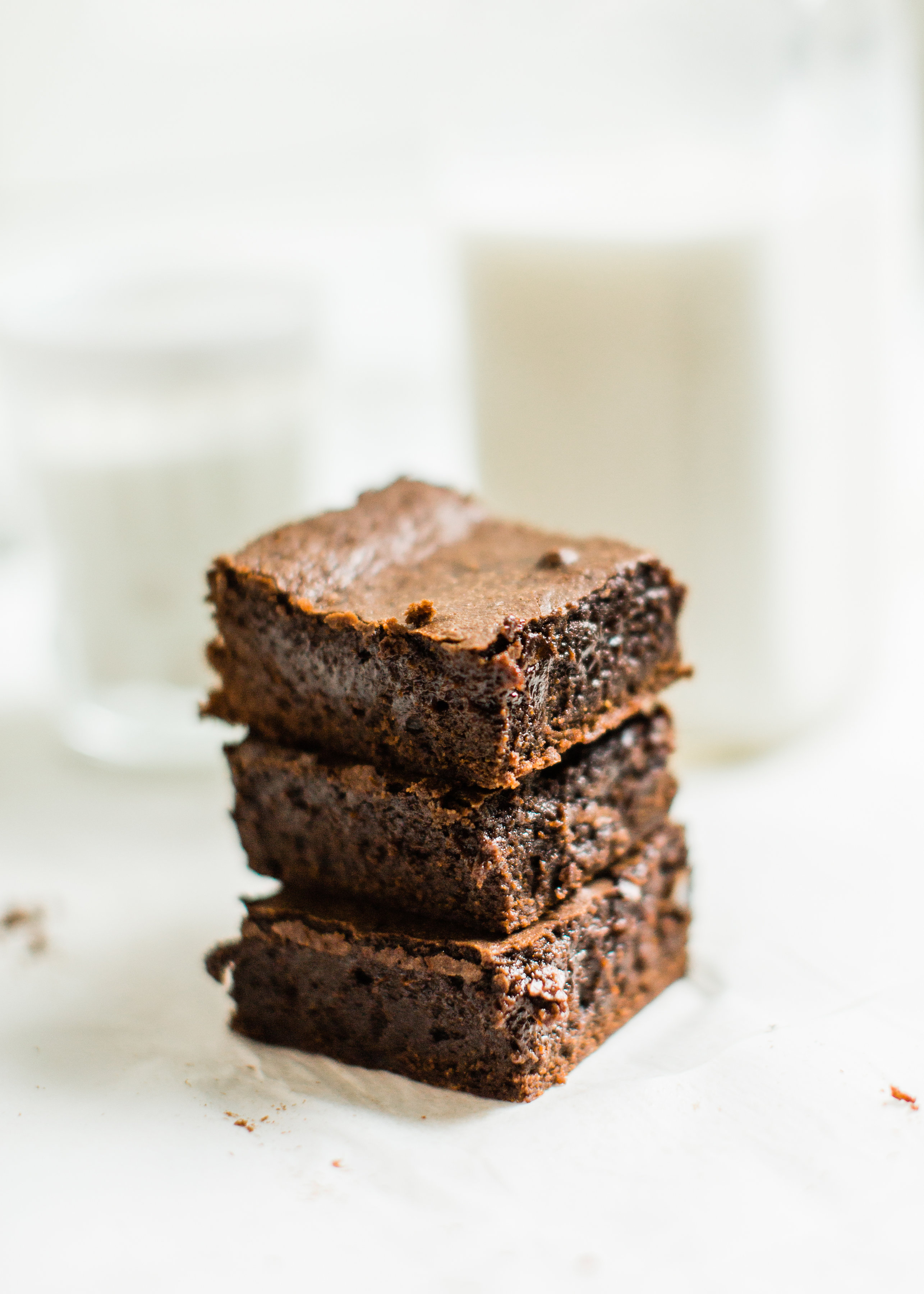Easy, Fudgy, Chewy, Cakey, Better Than Box Mix Brownies | glitterinc.com | @glitterinc