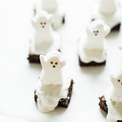 Easy Spooky Ghost Brownies for Halloween