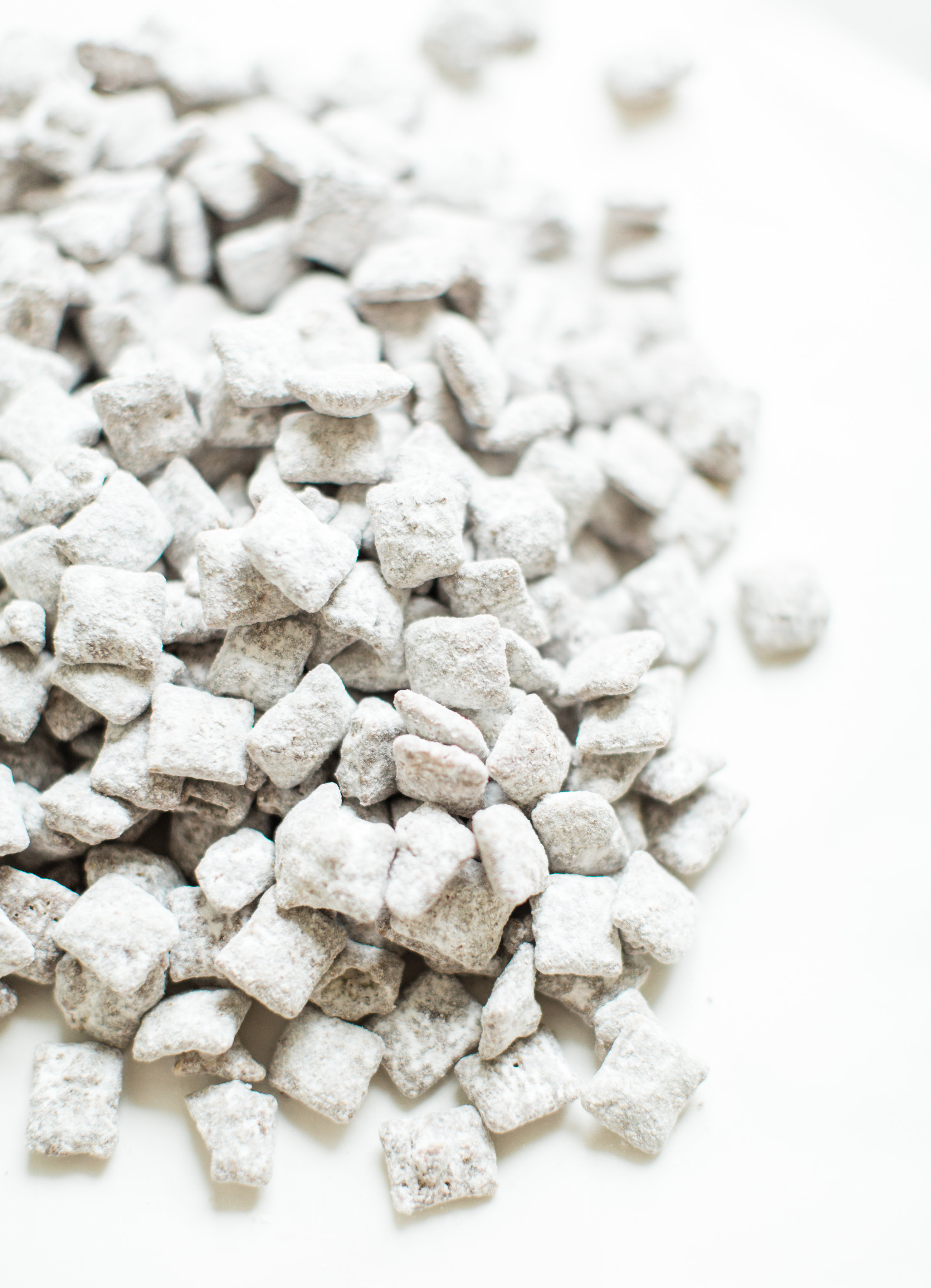 "How to Make Classic ""Puppy Chow"" Muddy Buddies 