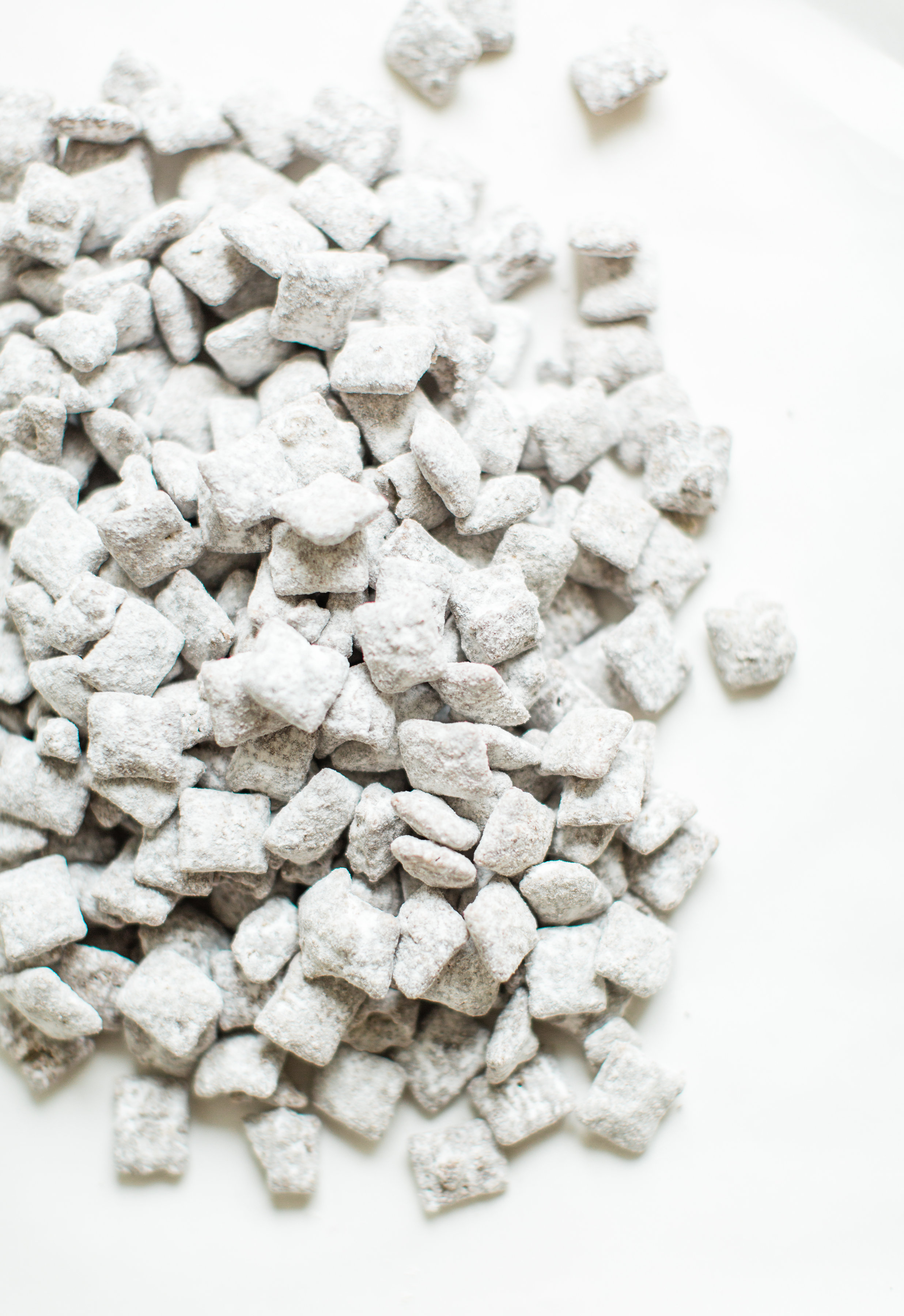 """How to MakeClassic """"Puppy Chow"""" Muddy Buddies"""