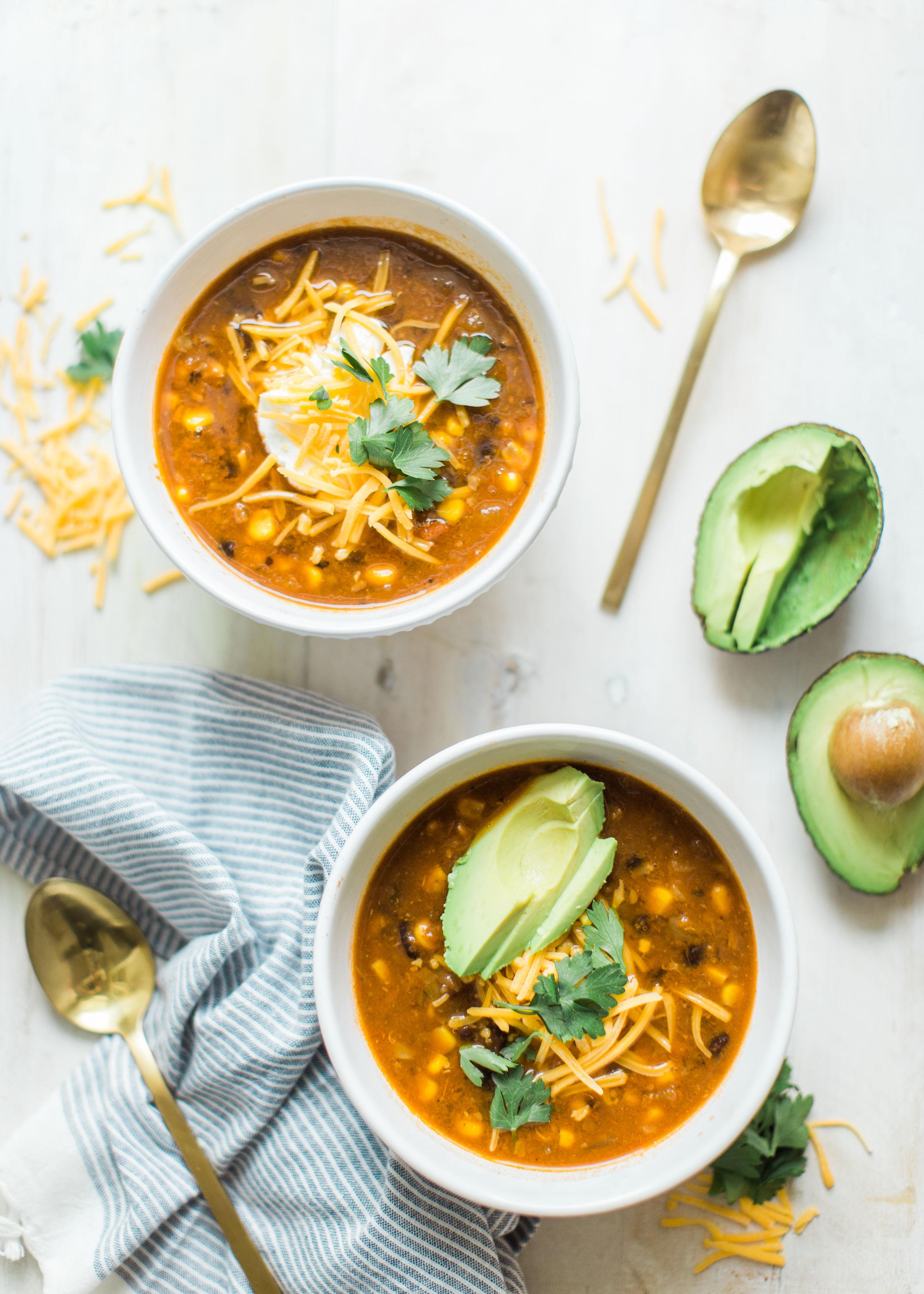 Vegetarian Harvest Chili #instantpot #crockpot #instantpotchili | glitterinc.com | @glitterinc