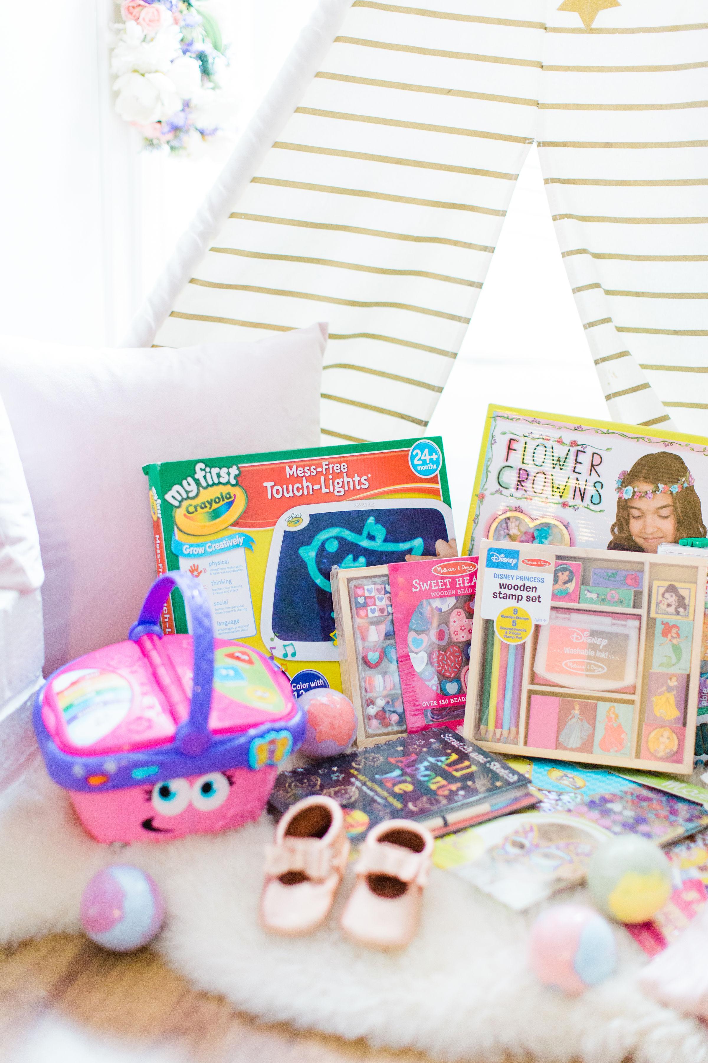 #giftguide #kidstoys   glitterinc.com   @glitterinc