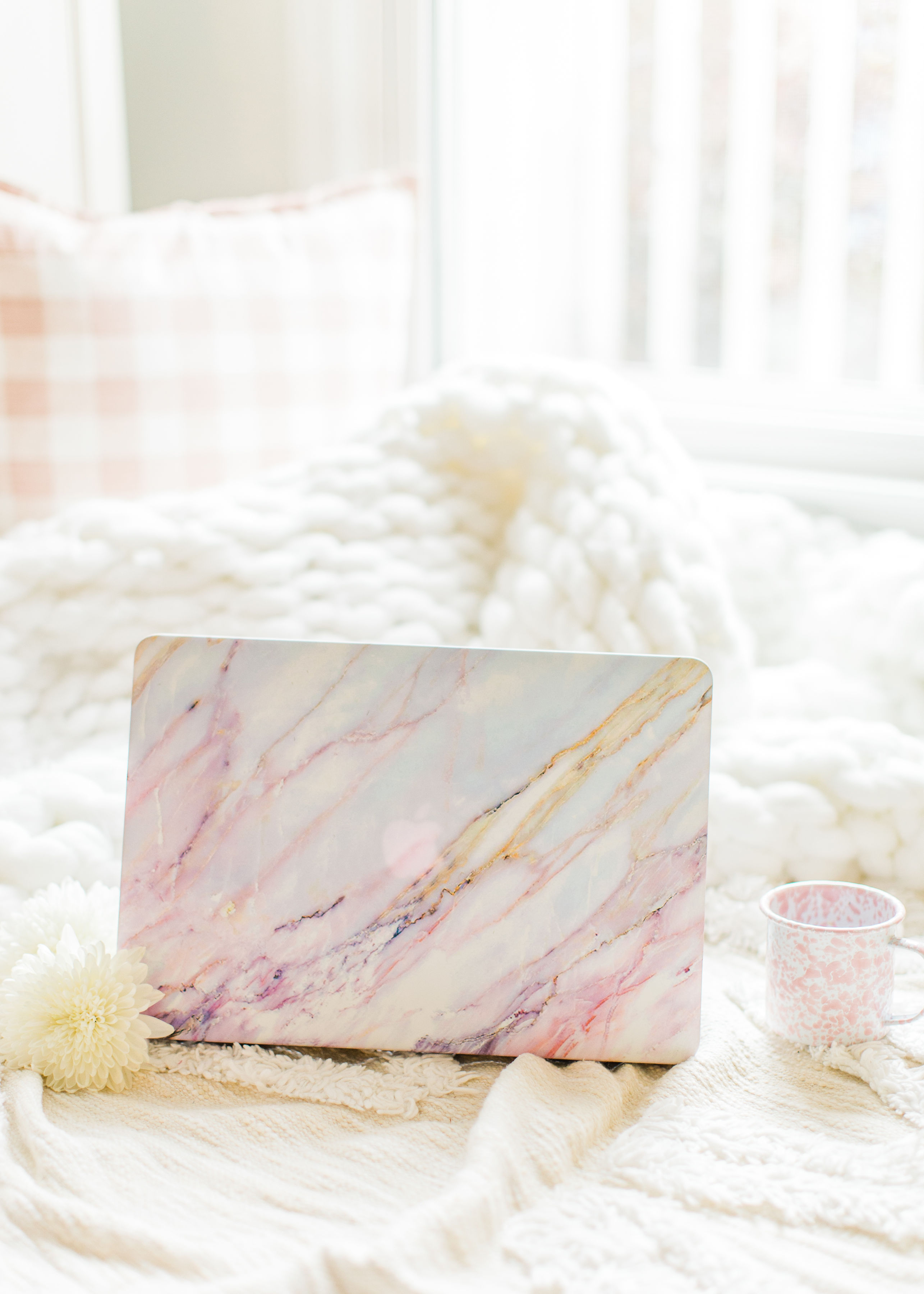 Black Friday weekend is upon us and the sales have already begun. I'm rounding up the best Black Friday and Cyber Monday sales, and updating here daily. Click through for the details. #laptop #blogger #marblelaptopcase #coffee | glitterinc.com | @glitterinc