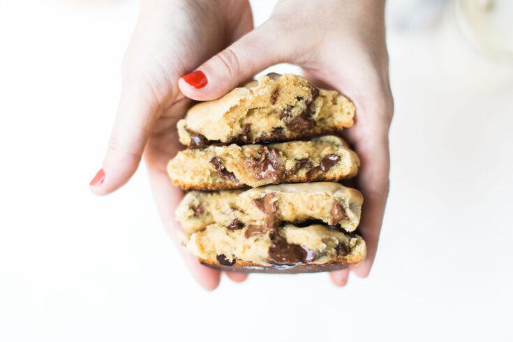 Copycat Levain Bakery Chocolate Chip Cookies